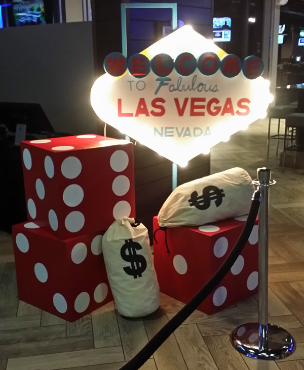 casino theme party services casino decorations and props. Black Bedroom Furniture Sets. Home Design Ideas